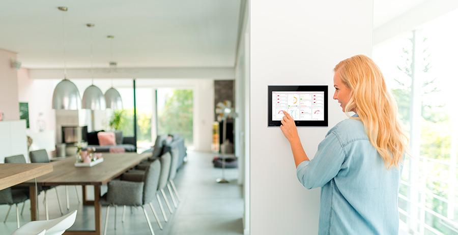 Komfortable Bedienung und herausragende Optik: Mit YOUVI das Smart Home intelligent steuern